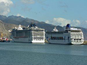 cruise ships canary islands